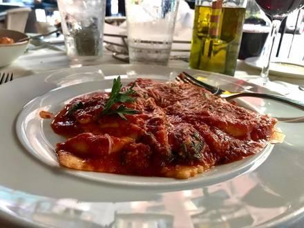 Volare (Streeterville) best fried chicken in chicago;