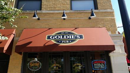 Goldies Bar best fried chicken in chicago;