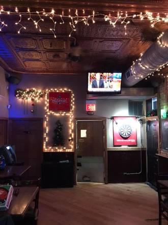 Four Shadows Tavern & Grill best german restaurants in chicago;