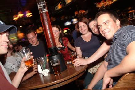 Lion Head Pub/The Apartment best chicago rooftop restaurants;