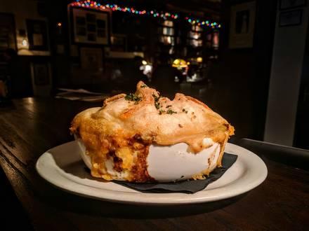 Red Lion Pub best comfort food chicago;