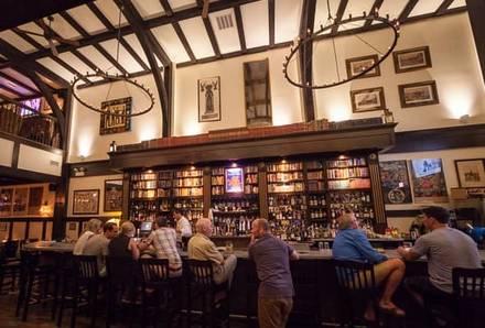 Red Lion Pub best french bistro chicago;