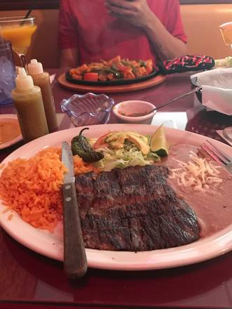Maravilla's (Hyde Park) best comfort food chicago;