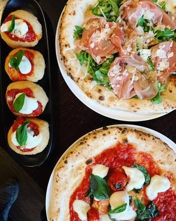 Gallucci best comfort food chicago;