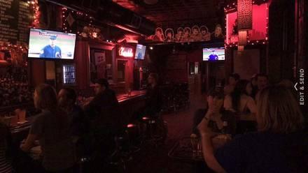 Louie's Pub best german restaurants in chicago;