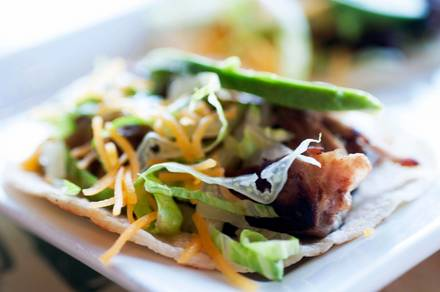 Mahoney's Pub & Grille best chicago rooftop restaurants;