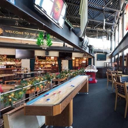 Mahoney's Pub & Grille best french bistro chicago;