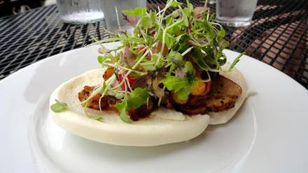 Oiistar best fried chicken in chicago;