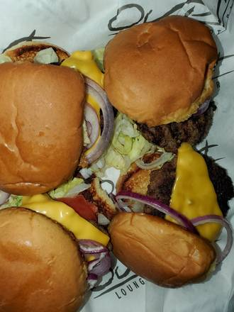 Output Lounge & Sports Bar best comfort food chicago;