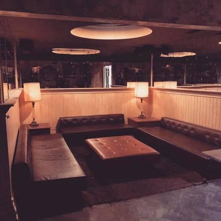 Revel Room best chicago rooftop restaurants;