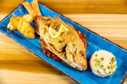 Azul Mariscos best fried chicken in chicago;