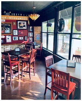 Wild Goose Bar & Grill best fried chicken in chicago;