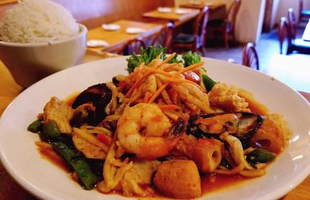 Spoon Thai Restaurant best fried chicken in chicago;