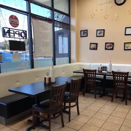 Makki Fast Food & Grill best chicago rooftop restaurants;