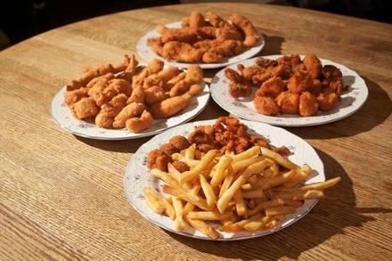 Goose Island Shrimp House best fried chicken in chicago;
