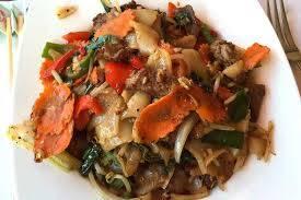 Ben's Noodles & Rice best fried chicken in chicago;