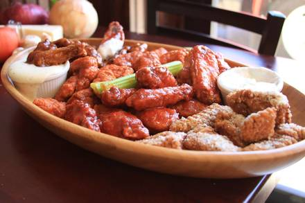 Papa Ray's Pizza & Wings - Logan Square best greek in chicago;